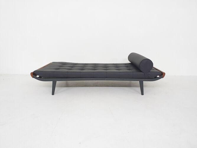 Lit cuir noir A.R. Cordemeyer pour Auping «Cléopâtre» daybed Pays-Bas 1953