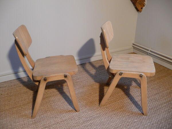 Lot de deux chaises pour enfants