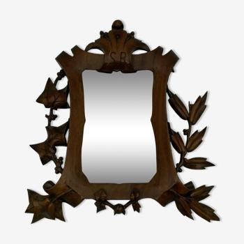 Miroir en bois sculpte noyer XIX eme monogramme sr decor de feuillage 13x20cm