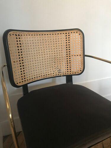 Chaise cannage bois noir accoudoirs, velours gris chic