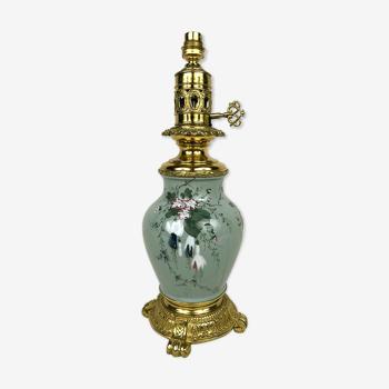 Pied de lampe en porcelaine émaillée monture métal doré