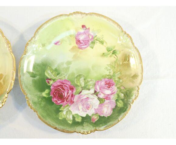 Paire de plats en porcelaine de lLimoges ''mandavy de mavaleix'' décor aux roses