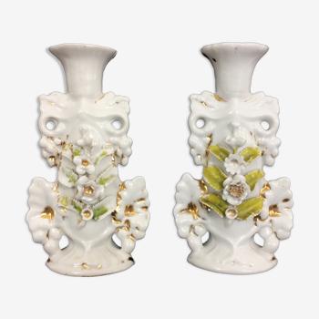 Paire de bougeoirs vintage floral en porcelaine blanche. Style Capodimonte.Année 50