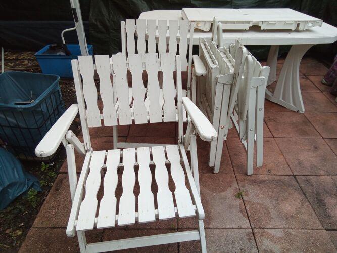 Gleizes vintage wooden chairs