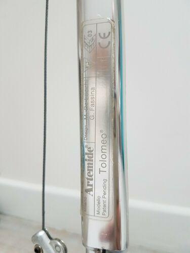 Lampe Artemide tolomeo en aluminium poli et anodisé grand modèle