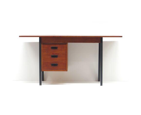 Bureau vintage fabriqué dans les années 60