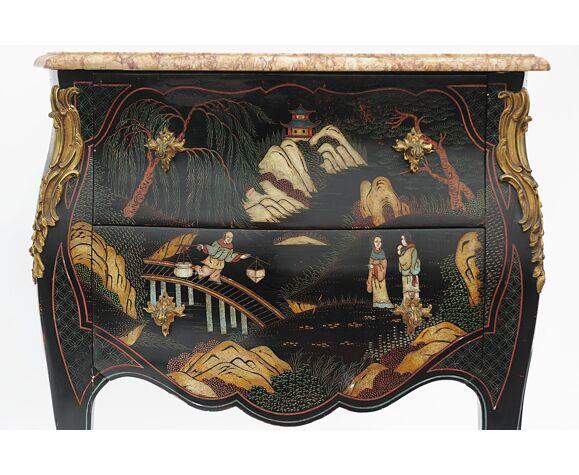 Commode en laque noir de style Louis XV