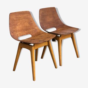 2 chaises Amsterdam de Pierre Guariche