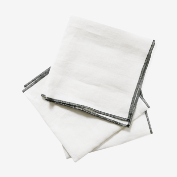 Lot of 4 towels in white linen