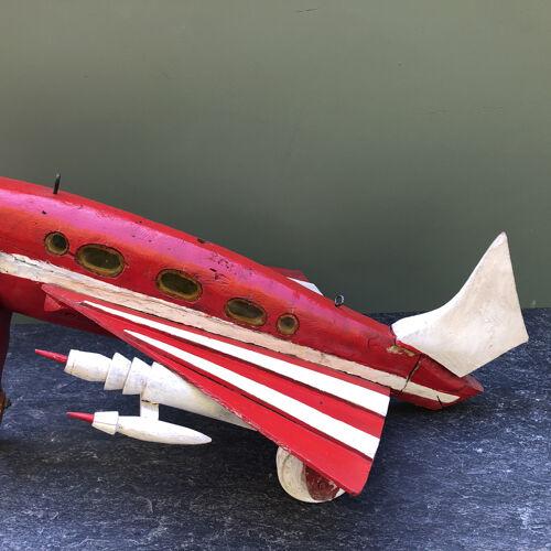 Avion sculpture vintage