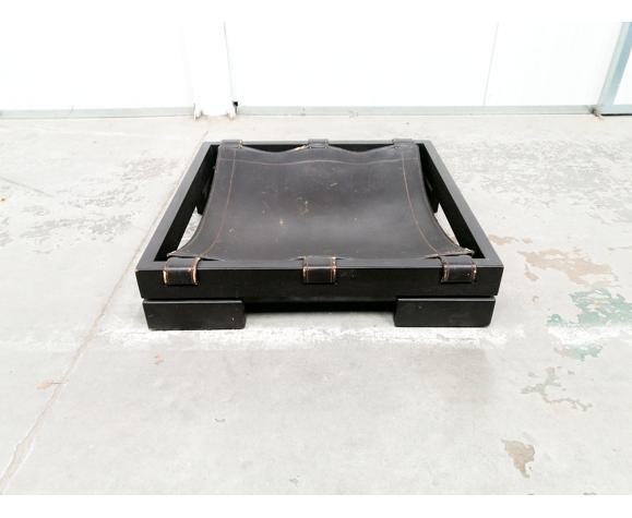 Salon brutaliste fixé par Sonja Wasseur
