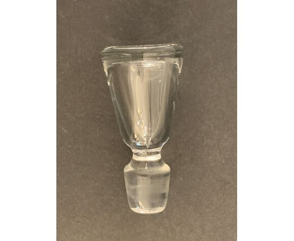 Carafe en cristal numérotée, soufflée et taillée