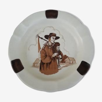 Cendrier breton au biniou porcelaine Rec Castelroux