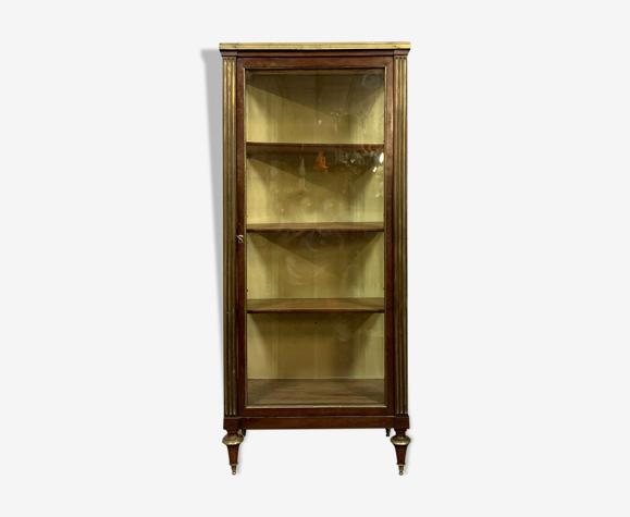 Vitrine Louis XVI Parisienne en acajou et bronzes dorés  vers 1800