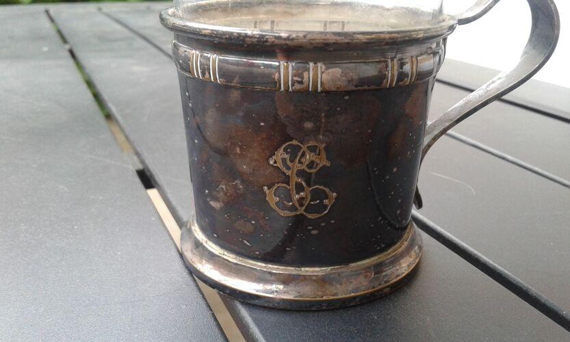 Tasse à café avec filtres, métal argenté