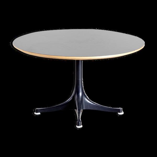 Table basse modèle 5452 de George Nelson