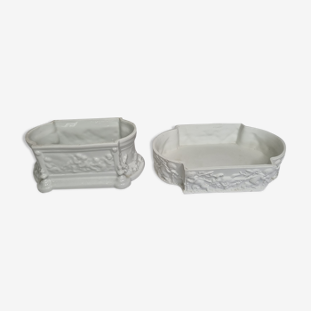 """Ensemble de deux jardinières de table en porcelaine blanche """"Capodimonte"""""""