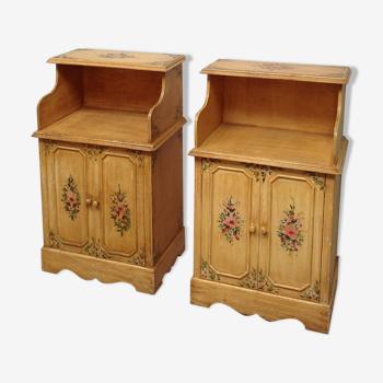 Paire de meubles vintage en bois décor floral