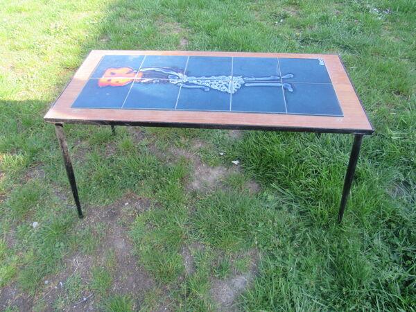 Table basse en faience