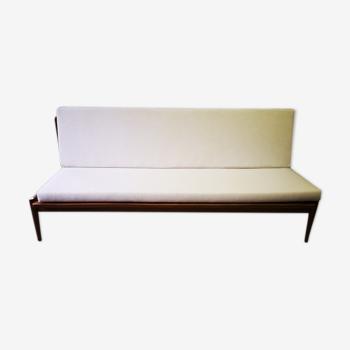 Canape in teak design
