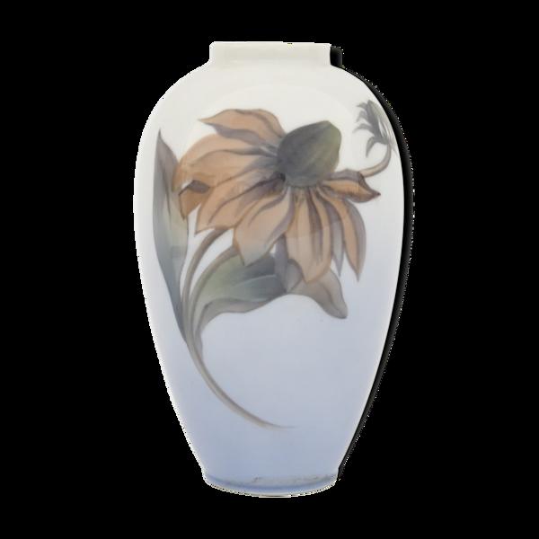 Vase en porcelaine de Royal Copenhague