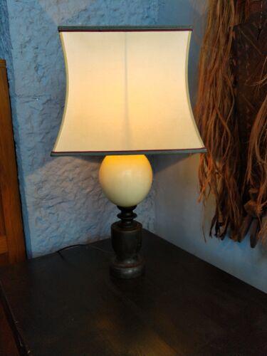 Lampe oeuf d'autruche