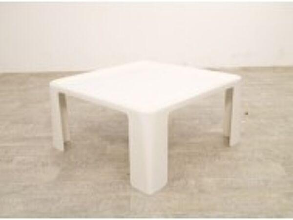 Table basse en fibre de verre