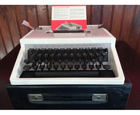 Machine à ecrire underwood 310
