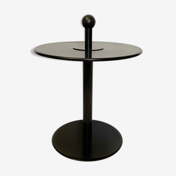 Postmodern side table ikea, in black lacquered steel, from the 80s, with handle.