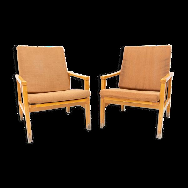 Paire de fauteuils pour Ton, 1970