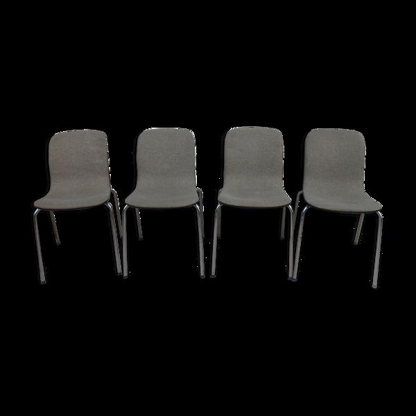 Suite de 4 chaises coque empilables 1970
