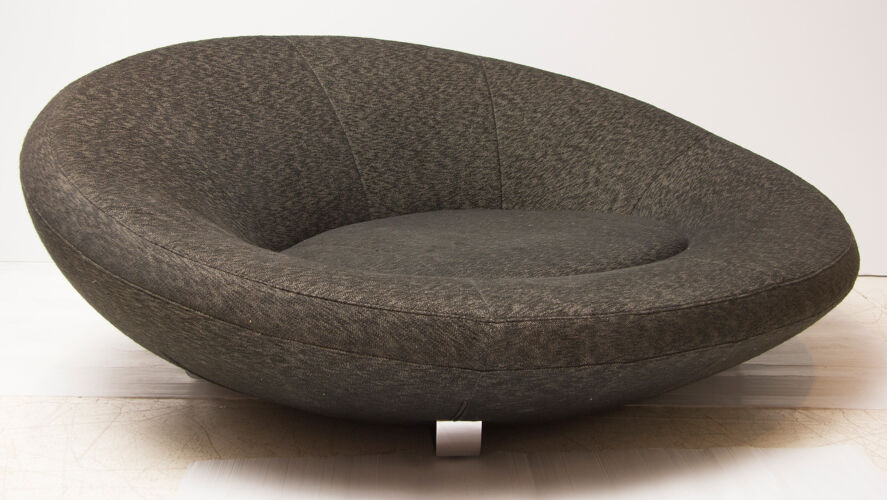 Canapé ovale du milieu du siècle par De sede