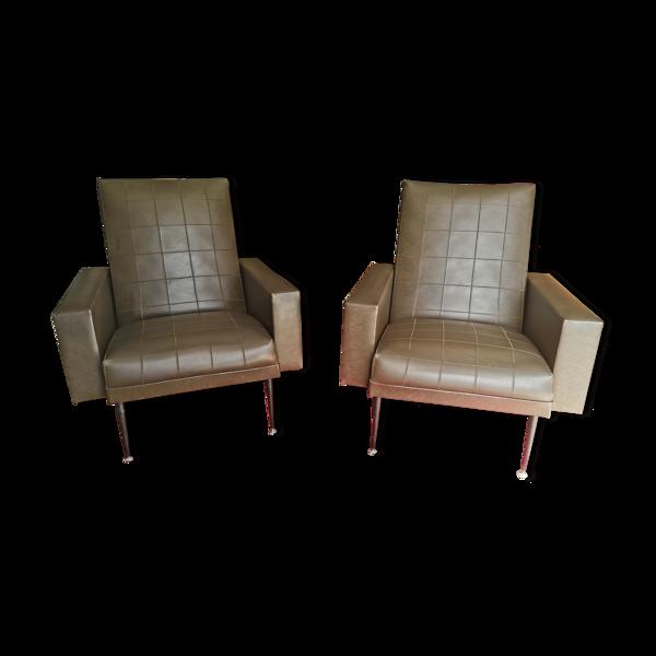 Paire de fauteuils skaï cognac des années 50