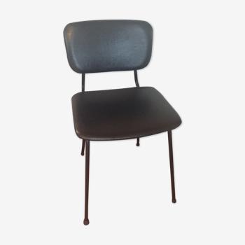 Chaise en métal et skaï noir
