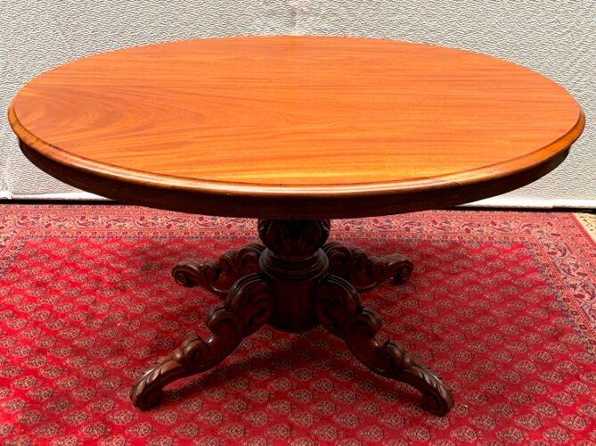 Table à manger de style baroque