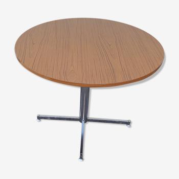 Table de cuisine faux bois