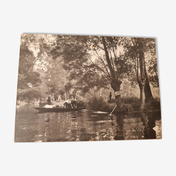 Photo de Pierre Robreau série Marais Poitevin: le cheptel en barque