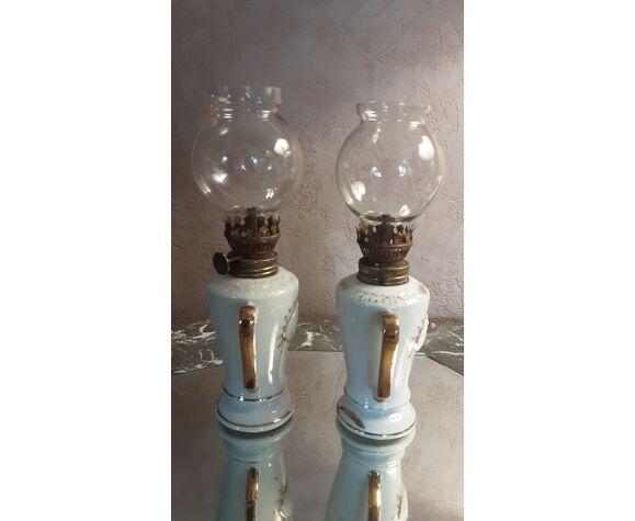 Lampes anciennes à pétrole - porcelaine