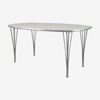 Table Super-Elliptique d'Arne Jacobsen, Piet Hein et Mathsson par Fritz Hansen années 80