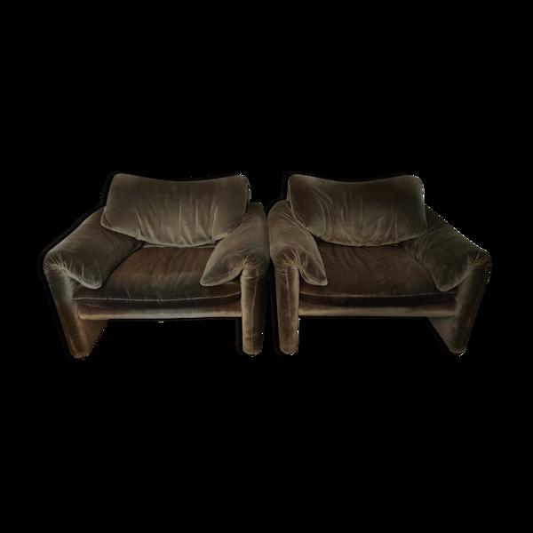 Set de 2 fauteuils Maralunga par Vico Magistretti pour Cassina Italie