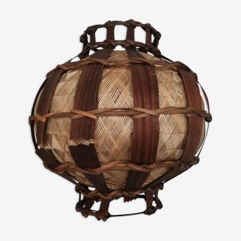 Abat-jour en rotin et fils tressés rond suspension bambou