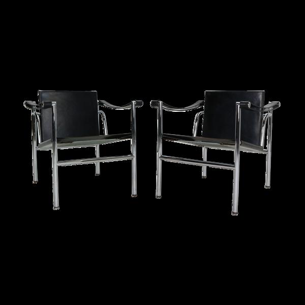 Ensemble de 2 fauteuils Le Corbusier  en cuir noir Modèle- LC1 pour Cassina, années 1970