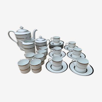 Lot de 12 tasses café, cafetière, crémier, sucrier Bernardaud Sparte Platine