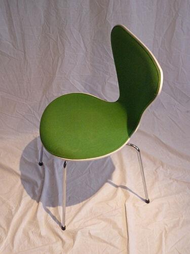Chaise modèle 3107 d' Arne Jacobsen