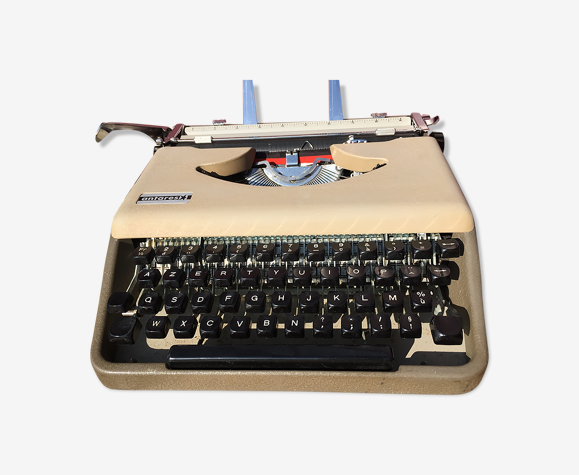 Antares typewriter in perfect condition, new ribbon