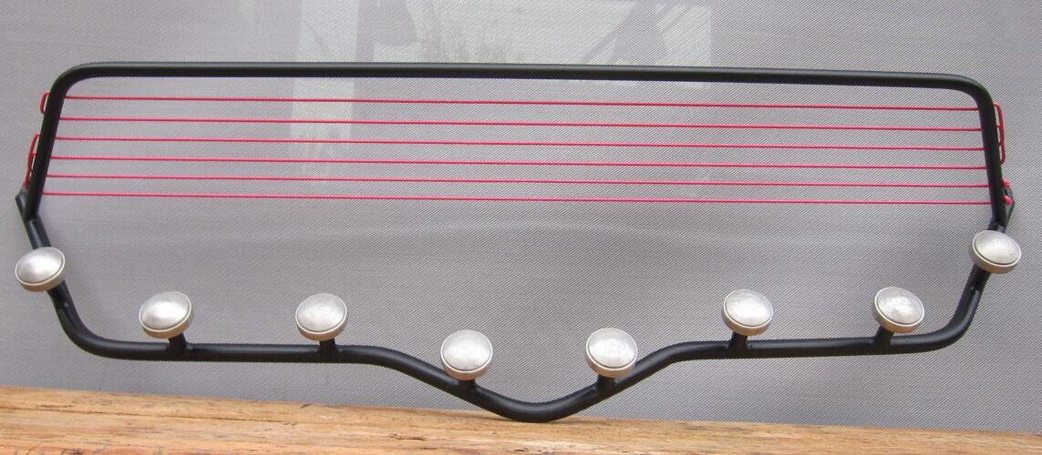 Portemanteaux métal noir scoubidou rose 1950