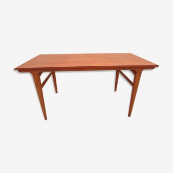 Table style scandinave avec allonges