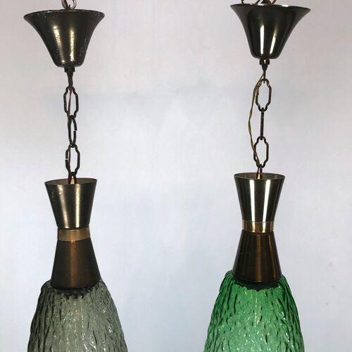 Ensemble de deux lampes italiennes vintage de pendentif en métal et en verre des années 60