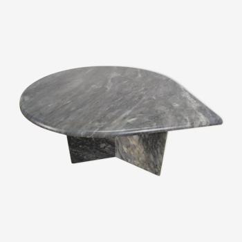 Grey marble coffee table tastes water