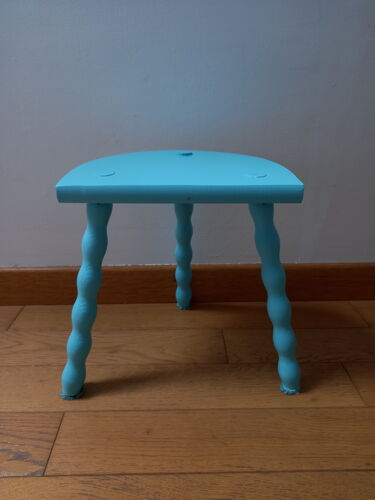 Tabouret tripode